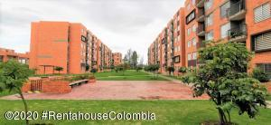 Apartamento En Ventaen Madrid, Zaragoza, Colombia, CO RAH: 20-1356