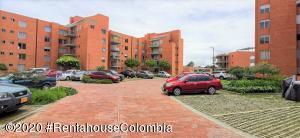 Apartamento En Ventaen Madrid, Zaragoza, Colombia, CO RAH: 20-1357