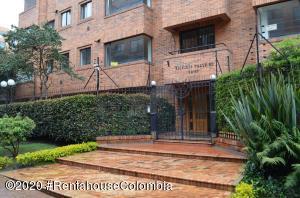 Apartamento En Arriendoen Bogota, La Cabrera, Colombia, CO RAH: 20-1398