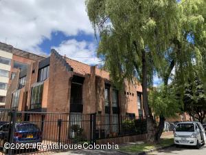 Casa En Arriendoen Bogota, Belmira, Colombia, CO RAH: 20-1400