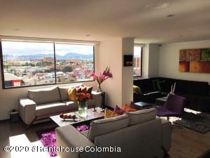 Apartamento En Arriendoen Bogota, Cedritos, Colombia, CO RAH: 20-1404