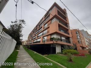 Apartamento En Arriendoen Bogota, Chico Navarra, Colombia, CO RAH: 20-1406