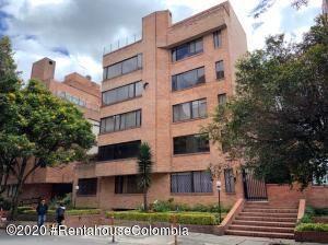 Apartamento En Arriendoen Bogota, Chico, Colombia, CO RAH: 20-1405