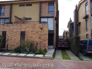 Casa En Ventaen Cajica, Sector El Bohio, Colombia, CO RAH: 20-1409