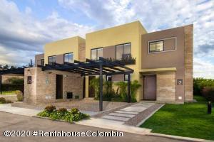 Casa En Ventaen Cajica, Vereda Canelon, Colombia, CO RAH: 20-1448