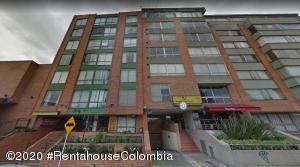 Apartamento En Arriendoen Bogota, Marly, Colombia, CO RAH: 20-1430