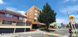 Apartamento En Arriendoen Bogota, Nueva Autopista, Colombia, CO RAH: 20-1466