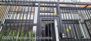 Edificio En Ventaen Bogota, El Campin, Colombia, CO RAH: 21-593