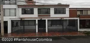 Apartamento En Arriendoen Bogota, San Patricio, Colombia, CO RAH: 21-10