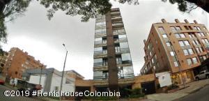 Apartamento En Ventaen Bogota, Chico, Colombia, CO RAH: 21-88