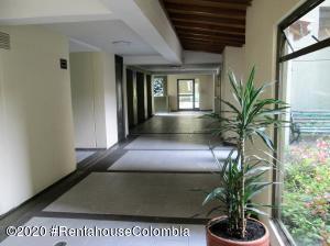 Apartamento En Ventaen Bogota, Hayuelos, Colombia, CO RAH: 21-140
