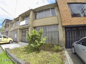 Casa En Ventaen Bogota, Gran America, Colombia, CO RAH: 21-155
