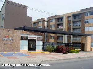 Apartamento En Ventaen Funza, Centro Funza, Colombia, CO RAH: 21-175