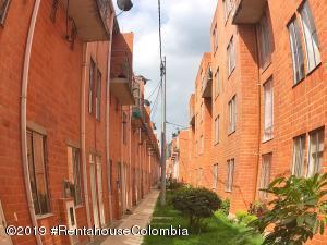 Casa En Ventaen Madrid, Los Alcaparros, Colombia, CO RAH: 21-243