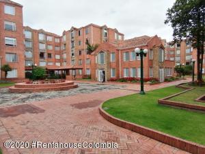 Apartamento En Ventaen Bogota, Colina Campestre, Colombia, CO RAH: 21-246