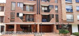 Apartamento En Ventaen Bogota, Bella Suiza, Colombia, CO RAH: 21-251