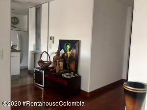 Apartamento En Ventaen Bogota, Chico Navarra, Colombia, CO RAH: 21-265