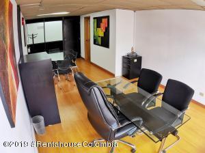 Oficina En Ventaen Bogota, Chico Norte, Colombia, CO RAH: 21-274