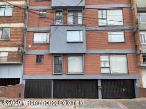 Apartamento En Ventaen Bogota, Galerias, Colombia, CO RAH: 21-281