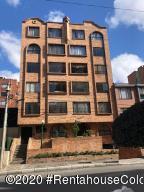 Apartamento En Arriendoen Bogota, Victoria Norte, Colombia, CO RAH: 21-331