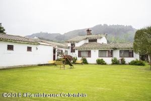 Casa En Ventaen Chia, Vereda Fonqueta, Colombia, CO RAH: 21-339