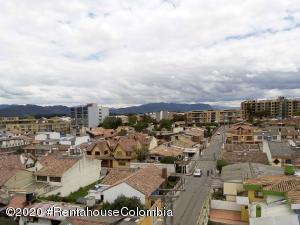 Apartamento En Arriendoen Chia, Sabana Centro, Colombia, CO RAH: 21-361
