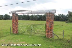 Terreno En Ventaen Subachoque, Florencia, Colombia, CO RAH: 21-363