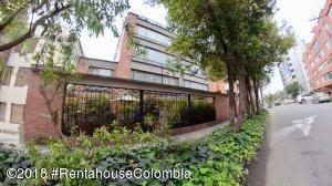 Apartamento En Ventaen Bogota, Chico Norte, Colombia, CO RAH: 21-399