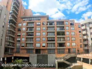 Apartamento En Ventaen Bogota, Colina Campestre, Colombia, CO RAH: 21-404