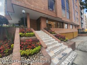Apartamento En Ventaen Bogota, Bella Suiza, Colombia, CO RAH: 21-417