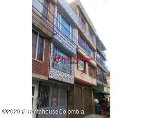 Casa En Ventaen Bogota, Villa Del Dorado, Colombia, CO RAH: 21-429