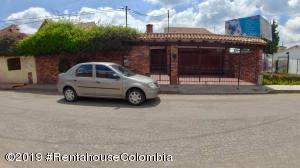 Casa En Ventaen Chia, 20 De Julio, Colombia, CO RAH: 21-437