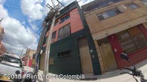 Edificio En Ventaen Bogota, Centenario, Colombia, CO RAH: 21-456