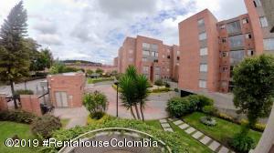 Apartamento En Ventaen Bogota, Portales Del Norte, Colombia, CO RAH: 21-484