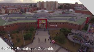 Local Comercial En Ventaen Bogota, Villa Elisa, Colombia, CO RAH: 21-511