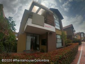 Casa En Ventaen Cajica, La Estacion, Colombia, CO RAH: 21-533