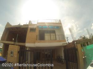 Casa En Ventaen Cota, Vereda El Abra, Colombia, CO RAH: 21-568