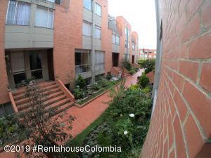 Casa En Ventaen Bogota, Pradera Norte, Colombia, CO RAH: 21-569
