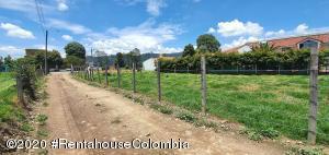 Terreno En Ventaen Cajica, Vereda Canelon, Colombia, CO RAH: 21-579