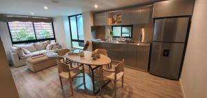 Apartamento En Ventaen Bogota, San Martin, Colombia, CO RAH: 21-626