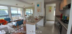 Apartamento En Ventaen Cajica, Capellania, Colombia, CO RAH: 21-661