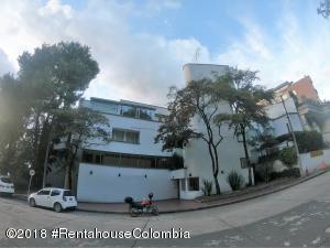 Apartamento En Ventaen Bogota, Altos Del Chico, Colombia, CO RAH: 21-697