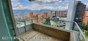Apartamento En Ventaen Medellin, Loma Del Tesoro, Colombia, CO RAH: 21-707