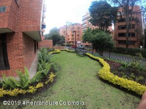 Apartamento En Ventaen Bogota, La Carolina, Colombia, CO RAH: 21-714