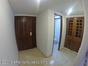 Apartamento En Ventaen Bogota, Los Rosales, Colombia, CO RAH: 21-744