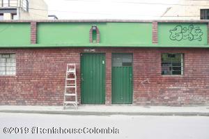 Casa En Ventaen Chia, 20 De Julio, Colombia, CO RAH: 21-823