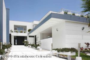 Casa En Ventaen Chia, Cerros De Yerbabuena, Colombia, CO RAH: 21-838