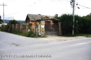 Terreno En Ventaen Chia, Vereda Bojaca, Colombia, CO RAH: 21-842