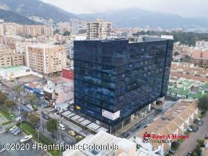 Oficina En Ventaen Bogota, Cedritos, Colombia, CO RAH: 21-874
