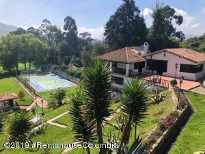 Casa En Ventaen Tabio, Vereda Rio Frio, Colombia, CO RAH: 21-875